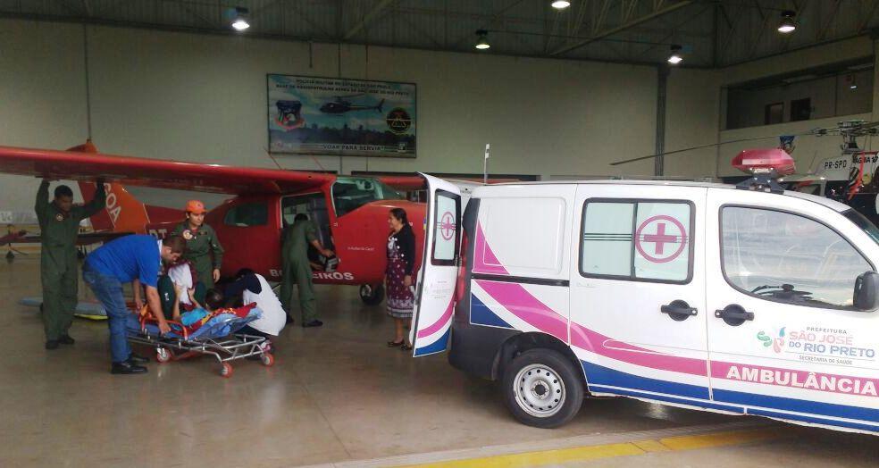 Grupo de Operações Aéreas do Bombeiro transporta policial militar de Rondônia para Barretos em São Paulo
