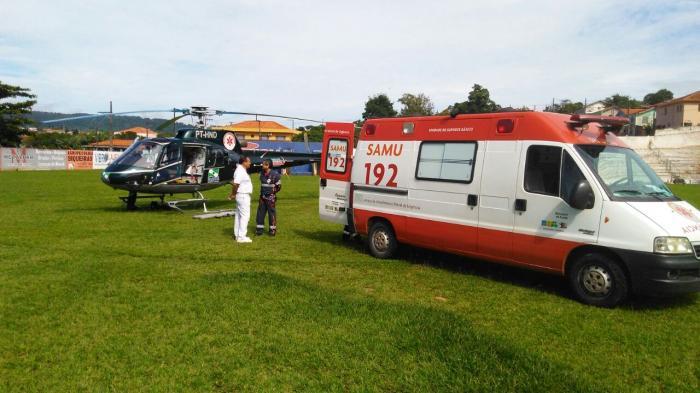 Helicóptero do SAMU remove paciente de Siqueira Campos para Londrina