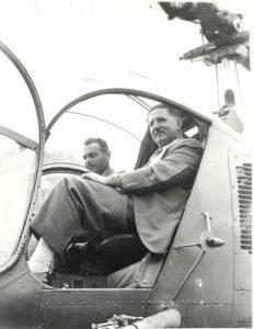 Carlos Alberto e o Governador Adhemar de Barros no Bel 47D