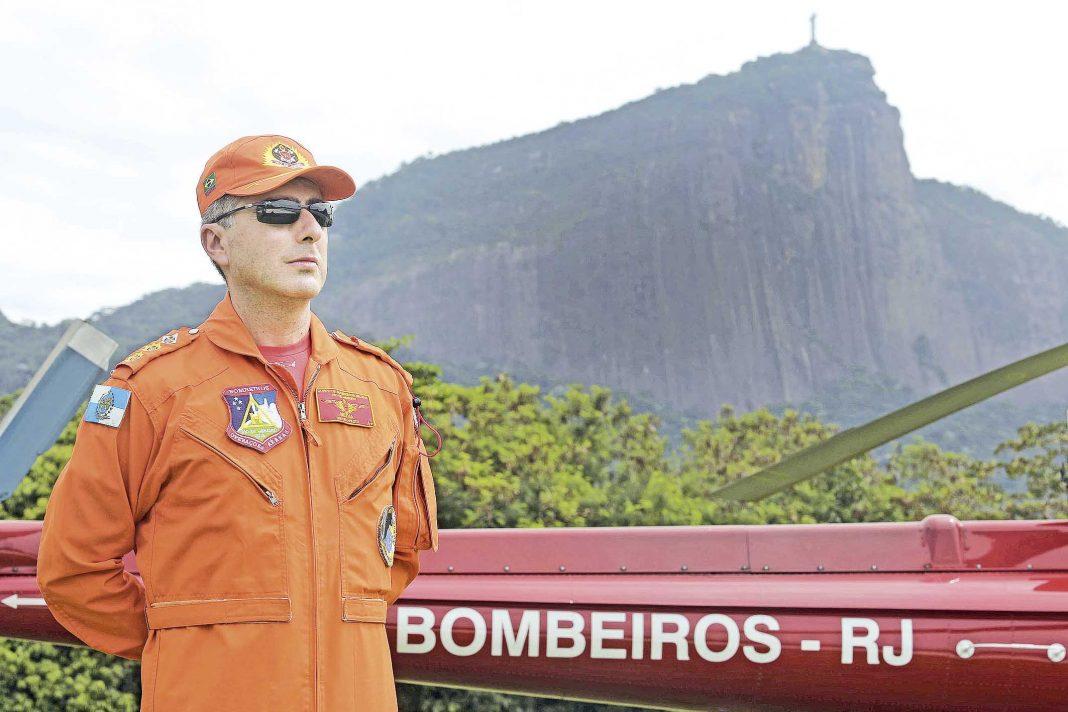 Dia a dia do Grupamento de Operações Aéreas do Corpo de Bombeiros. Cel. Neiva Fotos: Carlos Magno