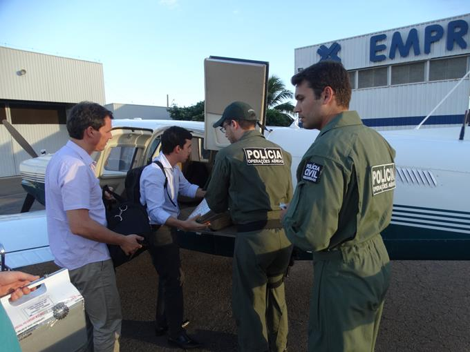 Avião da Polícia Civil transporta equipe para captação de órgãos em Muriaé