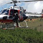 Águia 07 e Bombeiros resgatam vítimas de acidente de trânsito em área rural de Campos de Jordão