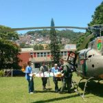 Águia 04 da PM de Santa Catarina transporta adolescente vítima de disparo acidental de arma de fogo