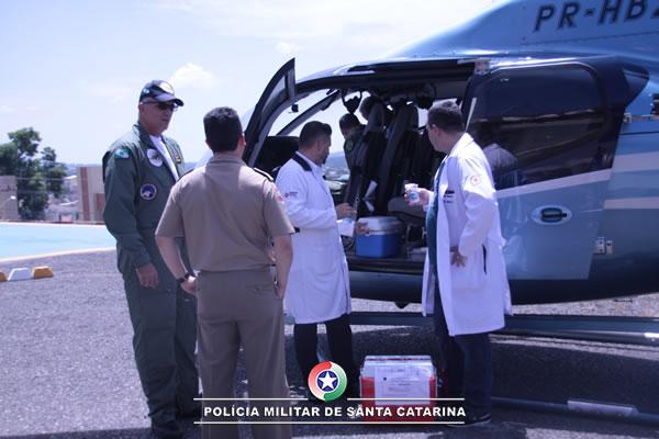 Operação aérea integrada entre PMSC e PMPR realiza transporte de órgãos para transplante