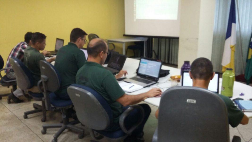 Pilotos realizam treinamento periódico para uso do helicóptero da Segurança Pública