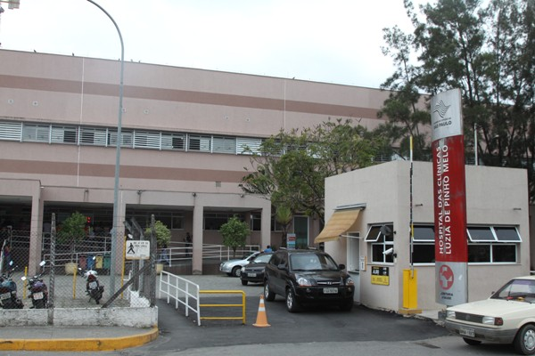 d140038c4 ... antecipar cirurgias e exames em até dois meses, com a abertura de  serviços aos sábados, no Ambulatório de Especialidade Médica (Ame) de Mogi  das Cruzes, ...