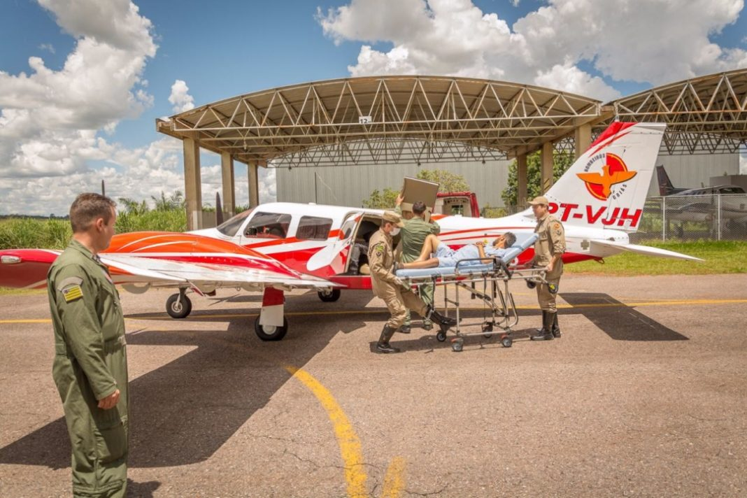 Bombeiro 03 transporta paciente para cirurgia de transplante de órgão em Brasília