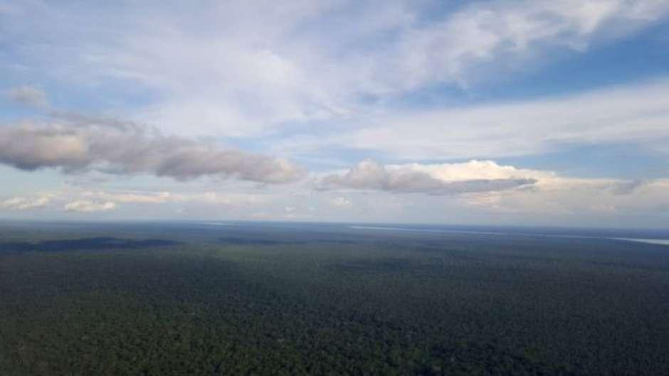 Forças de segurança dizem que há incontáveis rotas fluviais que dificultam patrulhamento sem helicóptero na fronteira amazônica
