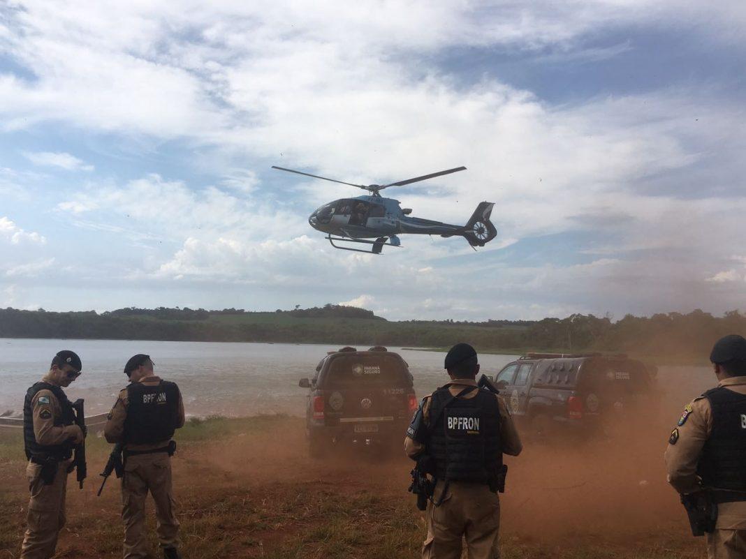 Aeronaves da Receita Federal, da Polícia Civil, da Polícia Militar e da Força Aérea Brasileira participam da operação.