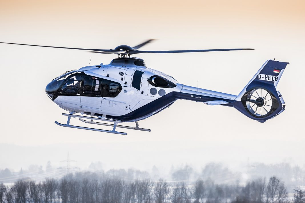 Heli-Expo 2017 Airbus Helicopters apresenta o H135 Helionix na Heli-Expo ao lado do H145 e do H130
