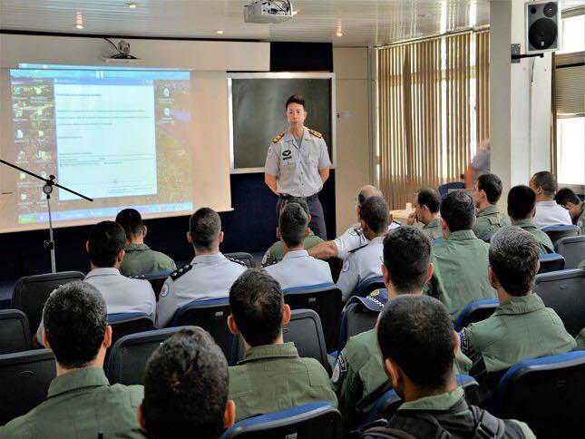 Coronel Ricardo Yamazaki Santiago foi o palestrante do primeiro dia do curso.