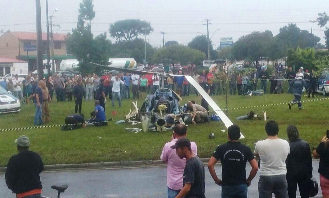 Helicóptero caiu na tarde desta sexta-feira (17) (Foto: Divulgação/Polícia Militar de Operações Aéreas)