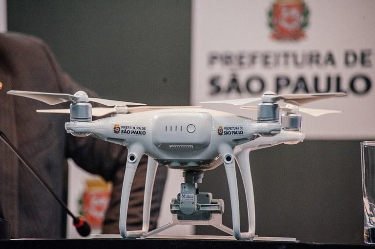 dronepol7Drones auxiliam Guarda Civil Metropolitana no monitoramento da cidade de SP