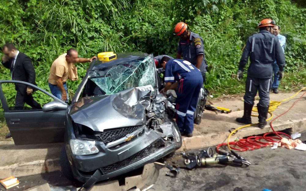 Vítimas foram levadas pelo Graer para o Hospital do Subúrbio (Foto: Graer/ Divulgação)