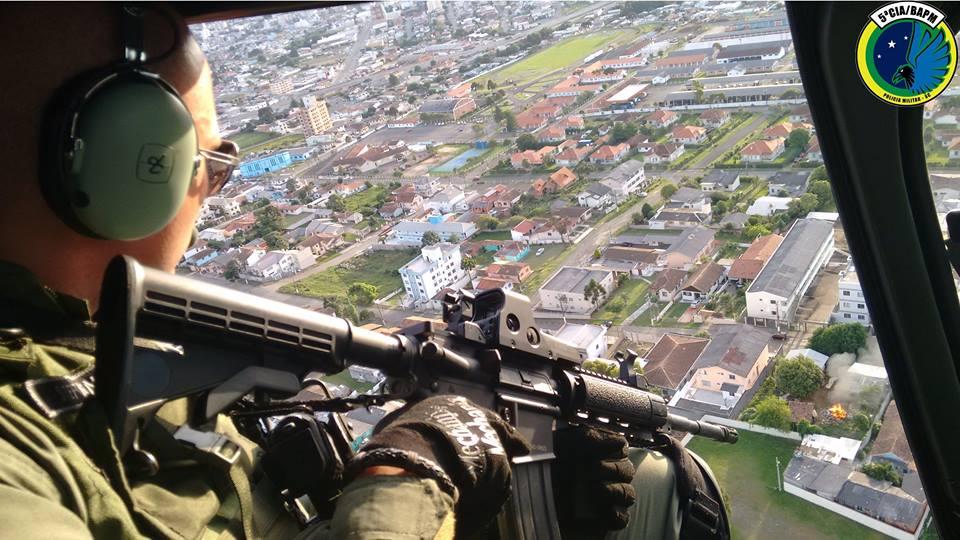 5ª Cia do BAPM treina tiro embarcado e resgate com uso do puçá