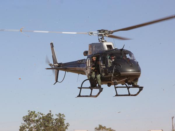 Com ajuda de helicóptero, policiais militares prendem criminosos foragidos em Campo Grande