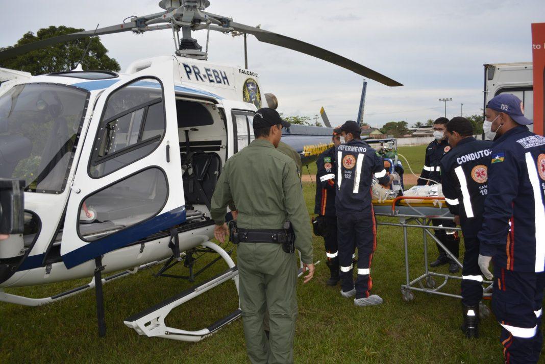 Criança foi socorrida de helicóptero até Porto Velho (Foto: Diêgo Holanda/G1)