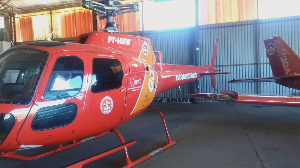 Helicóptero que pertence ao Corpo de Bombeiros está parado há mais de um ano no hangar do Governo de Rondônia em Porto Velho (Foto: Reprodução/Rede Amazônica)