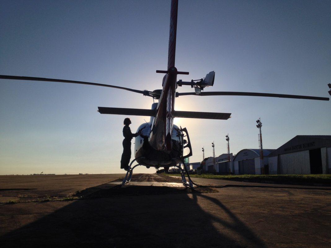 Tenente Mayara é a única mulher na Base de Radiopatrulha Aérea de Presidente Prudente (Foto: Amauri Domingos Demarzo/Cedida)