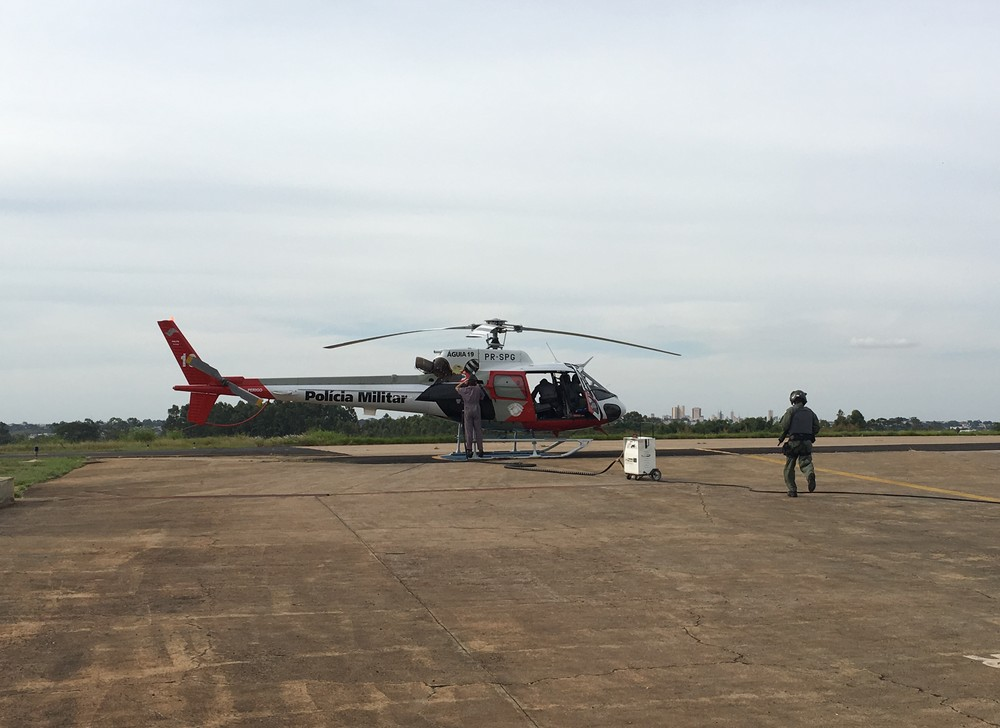 Oficial afirma que os mundos da PM e da aviação se complementam (Foto: Stephanie Fonseca/G1)