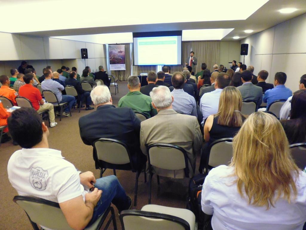 Roberto Pimenta da FGV em sua apresentação. Foto: Eduardo Alexandre Beni.