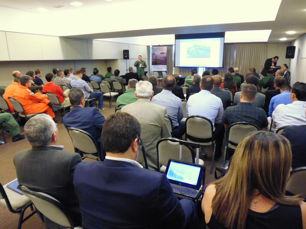 Delegado Tavares da CIOPAer em sua apresentação. Foto: Eduardo Alexandre Beni.