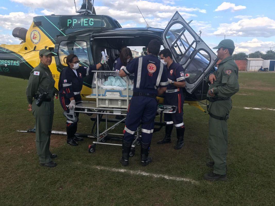 Helicóptero Guará 02 do Comando de Aviação do Estado (COMAVE) realiza o transporte em conjunto com o SAMU.