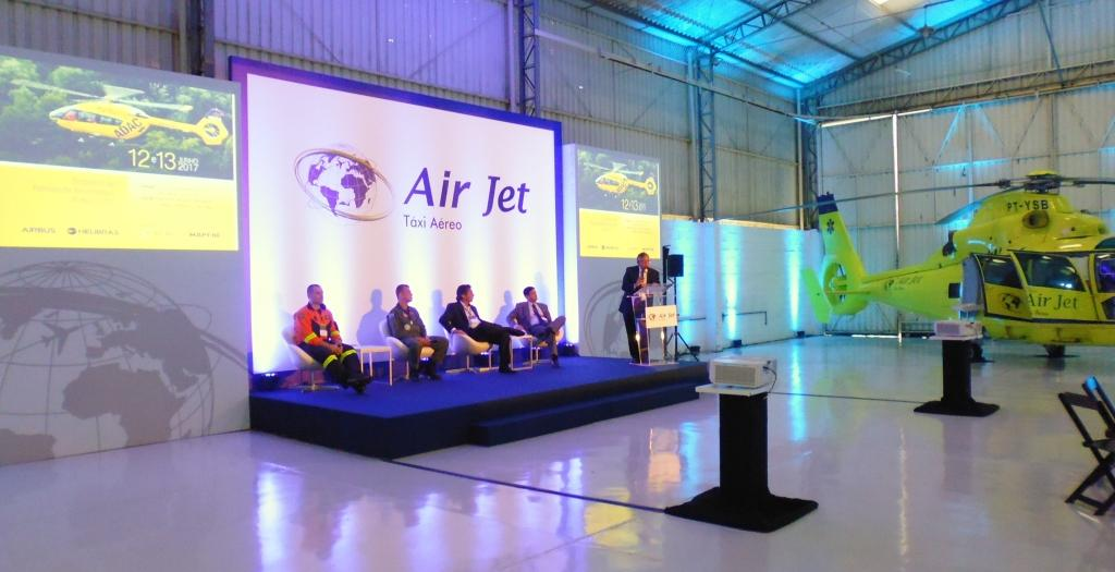 Debate realizado no segundo dia do evento no hangar da Air Jet. Foto: Eduardo Alexandre Beni.