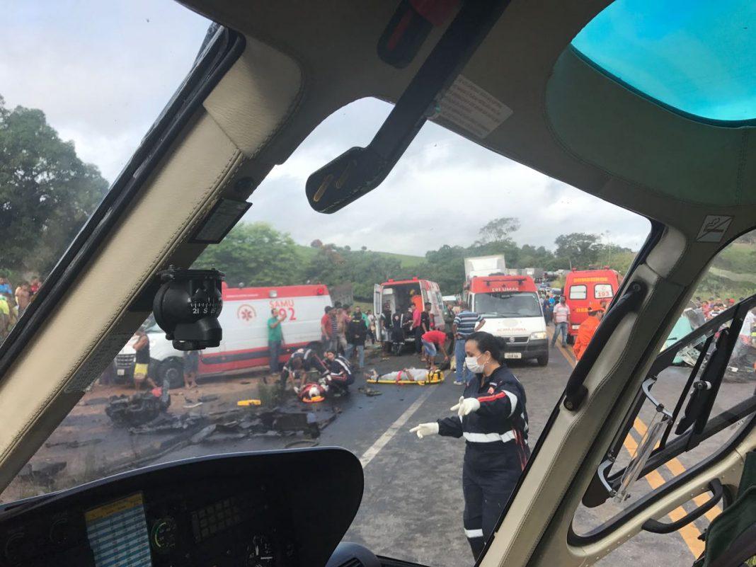 Falcão 03 da SSP e SAMU de Alagoas realizam o resgate das vítimas. (Foto: Divulgação/SSP-AL)