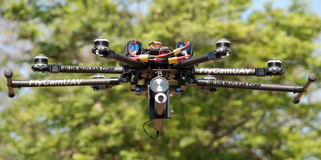 Drone equipado com equipamento de detecção de radiação. Foto: Jeremiah Karpowicz.