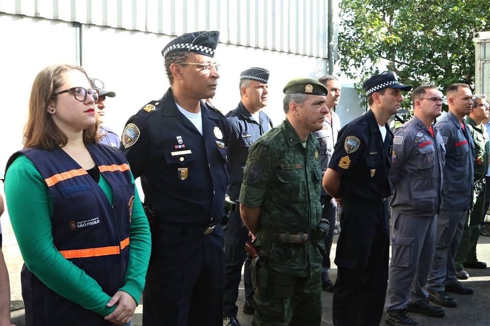 """Agentes da GCM e Defesa Civil de São Paulo recebem certificado de """"Piloto de Drone"""" da PM de SP. Foto: Ulisses/SMSU."""