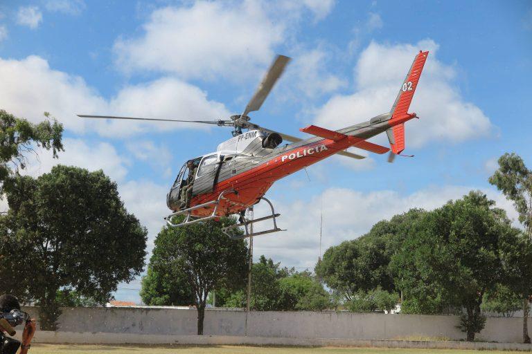 Fênix 02 da Coordenadoria Integrada de Operações Aéreas (Ciopaer) resgata vítima para o Hospital Regional do Cariri. Foto André Costa