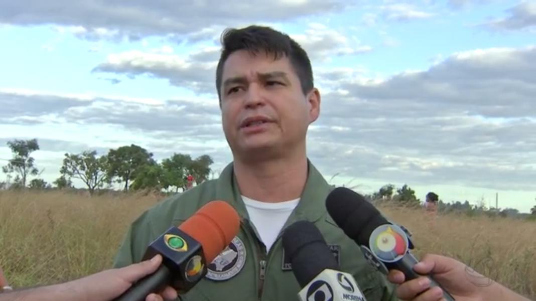 comandante do helicóptero Harpia 01, Ten. Coronel Rosalino Gimenez Filho.