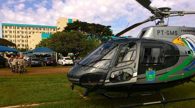 Helicóptero da Policia Militar faz resgate de vítima de acidente em rodovia