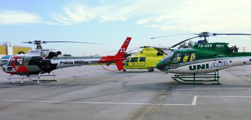 Helicópteros em exposição no patio da INFRAERO no Aeroporto Campo de Marte durante Simpósio Aeromédico da Airbus. Foto: Eduardo Alexandre Beni.