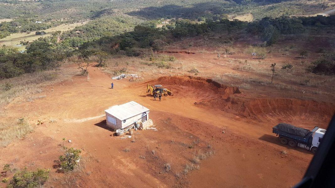 Imagem feita do Fênix 02 da extração ilegal de cascalho.