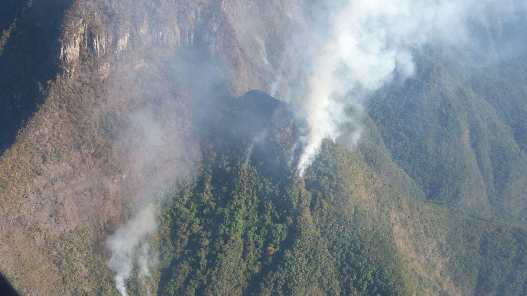 @ARCANJO_01 realizou combate a incêndio florestal em Morro Grande/SC, divisa com o RS (Canyons).