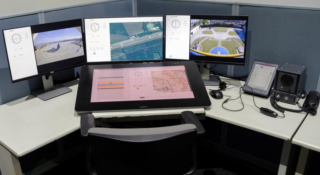 Numa estação de trabalho como esta será possível para a Allta BBP controlar, no futuro, até três aeroportos. Foto: João Paulo Moralez.