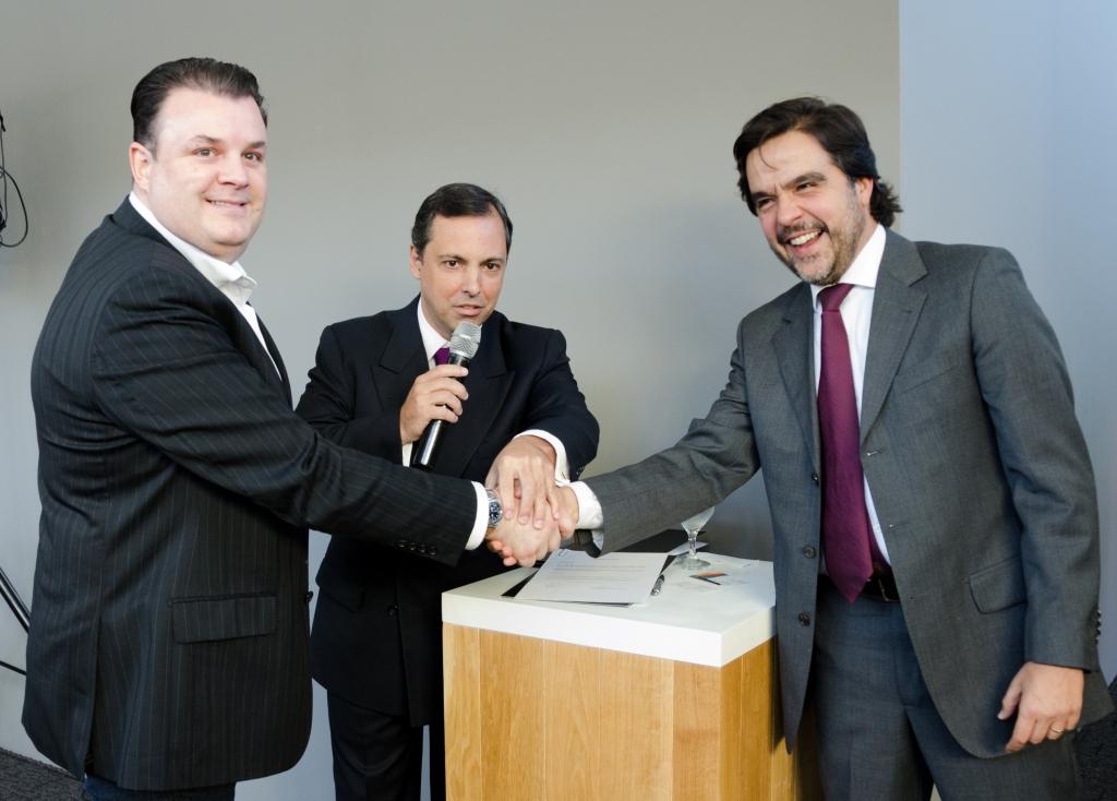 André Veronese, CEO da iHome (esquerda); José Olinto de Toledo, diretor da Bembras (centro) e Leonardo Nunes, CEO da Allta BBP. Foto: João Paulo Moralez.