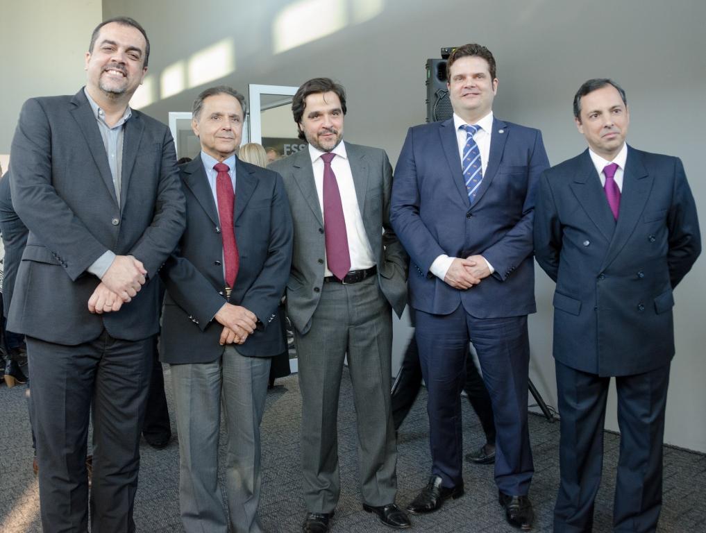 A partir da esquerda está Marcelo Madruga, diretor Comercial da Safran; Milton Nunes, Diretor da Servape; Leonardo Nunes, André Veronese e José Olinto de Toledo. Foto: João Paulo Moralez.