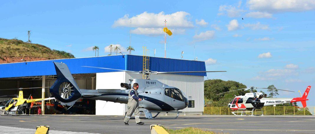 Helicópteros pousados no Allta Heliport. Foto: Milsa, Bembras.