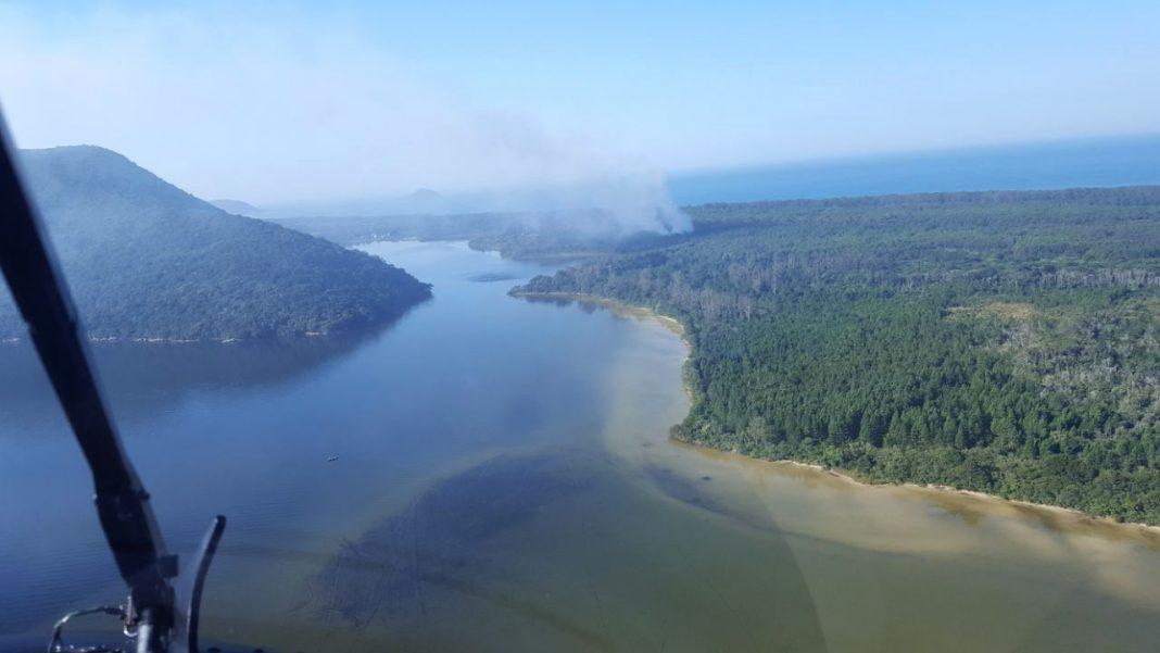 A vista do incêndio a partir do helicóptero Águia 02 - Águia 02/PM/Divulgação