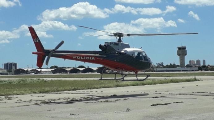Escola de Aviação da Ciopaer realiza primeira instrução prática de voo sob capota