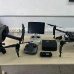 Drones da empresa chinesa DJI em exposição no 1º Simpósio sobre Aeronaves Remotamente Pilotadas.