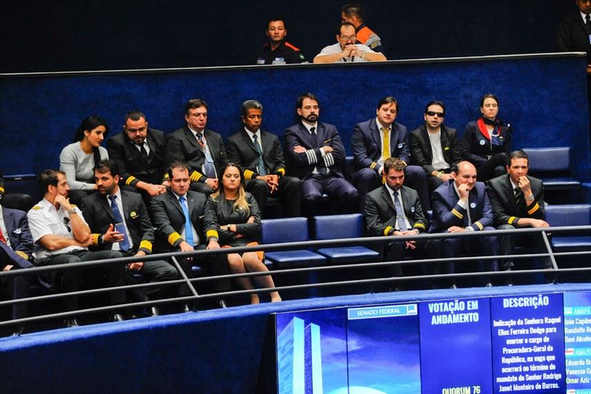 Representantes dos aeronautas acompanharam a votação das galerias do Plenário. Foto: Jonas Pereira/Agência Senado.