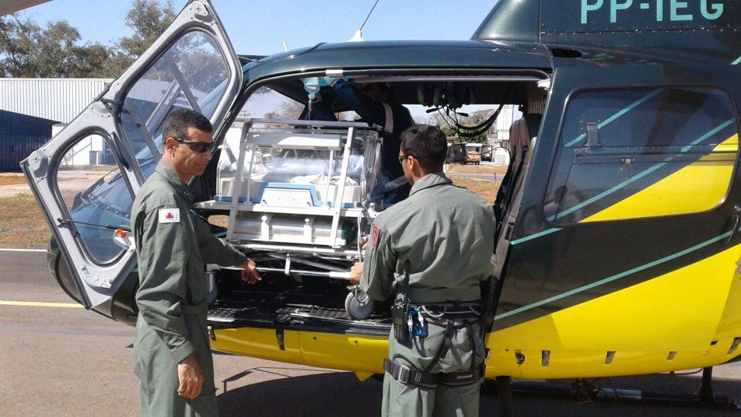 Helicóptero Guará 02 do COMAVE, 3ª Base Regional de Aviação de Estado, com sede em Montes Claros, em conjunto com o SAMU. Foto: Divulgação.