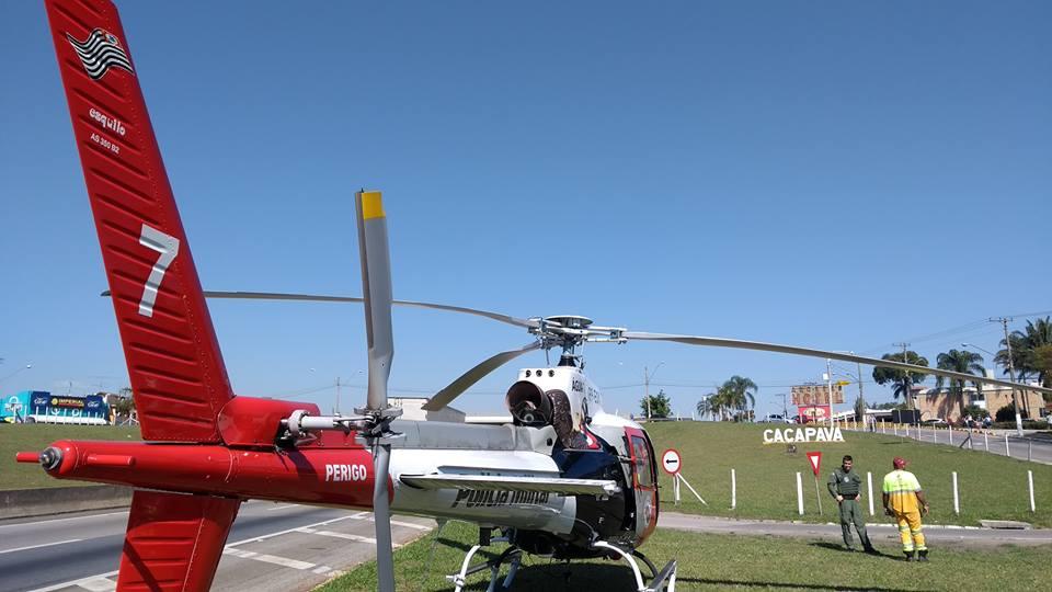 Águia 07 apoia bombeiros no resgate de vítima de acidente de trânsito em Caçapava.