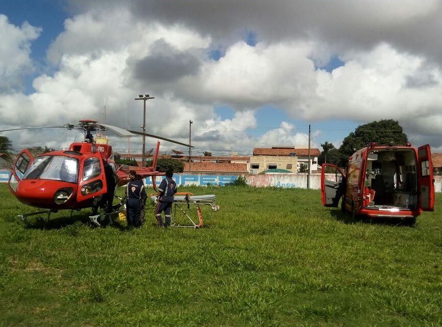 Facão 05 transporta paciente de Coruripe para o Hospital Chama de Arapiraca.