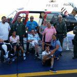 Pacientes do Hospital Neurológico Ritinha Prates de Araçatuba visitam Base o helicóptero Águia da PM