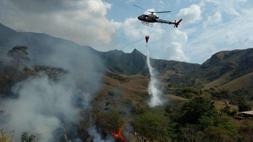Incêndio florestal na serra da Bocaina atingiu o entorno da Estação Ecológica Bananal. (Foto: Prefeitura Municipal de Bananal)